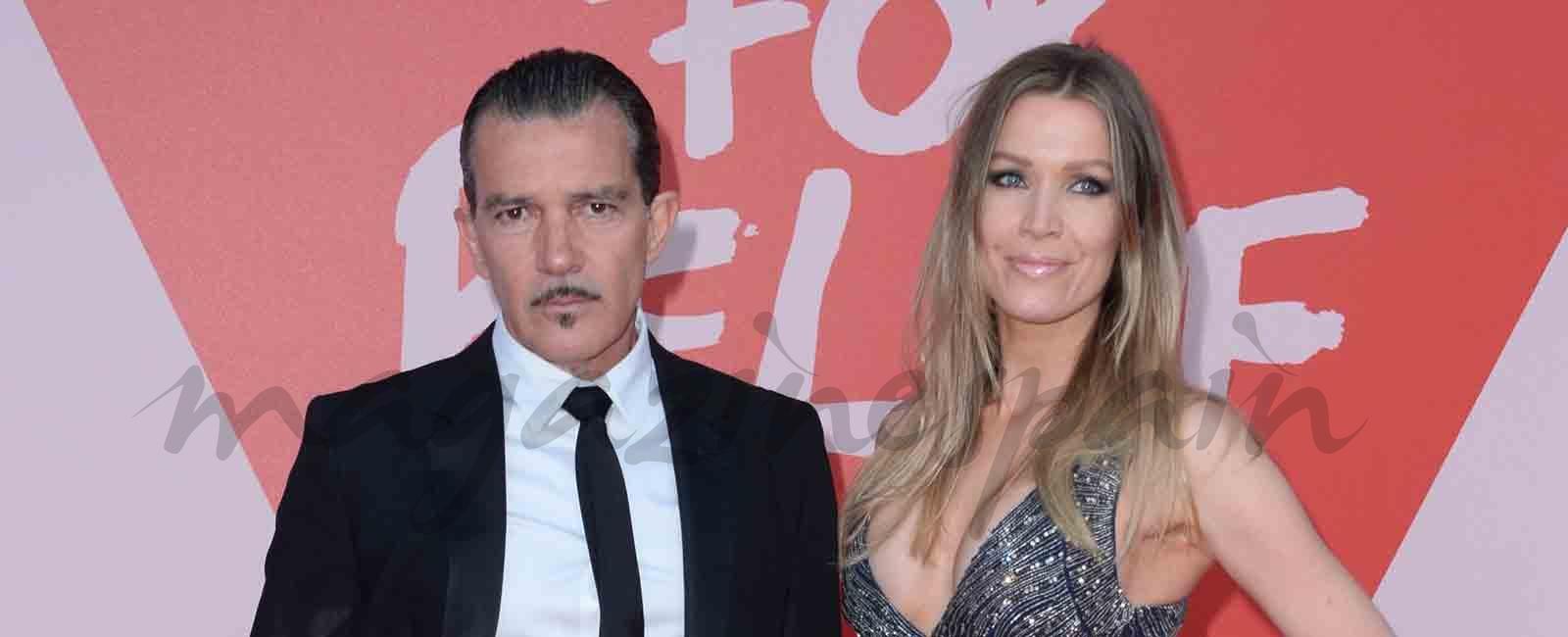 Antonio Banderas desfila con nueva imagen en Cannes