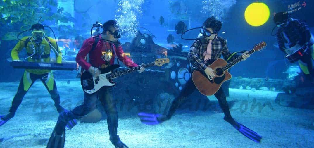En Tianjin, concierto bajo el mar