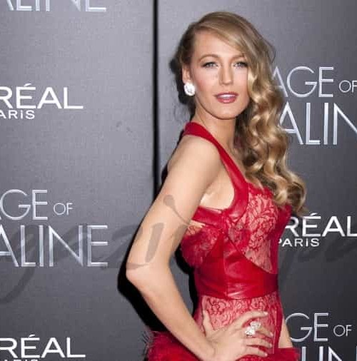 Blake Lively, bella dama de rojo