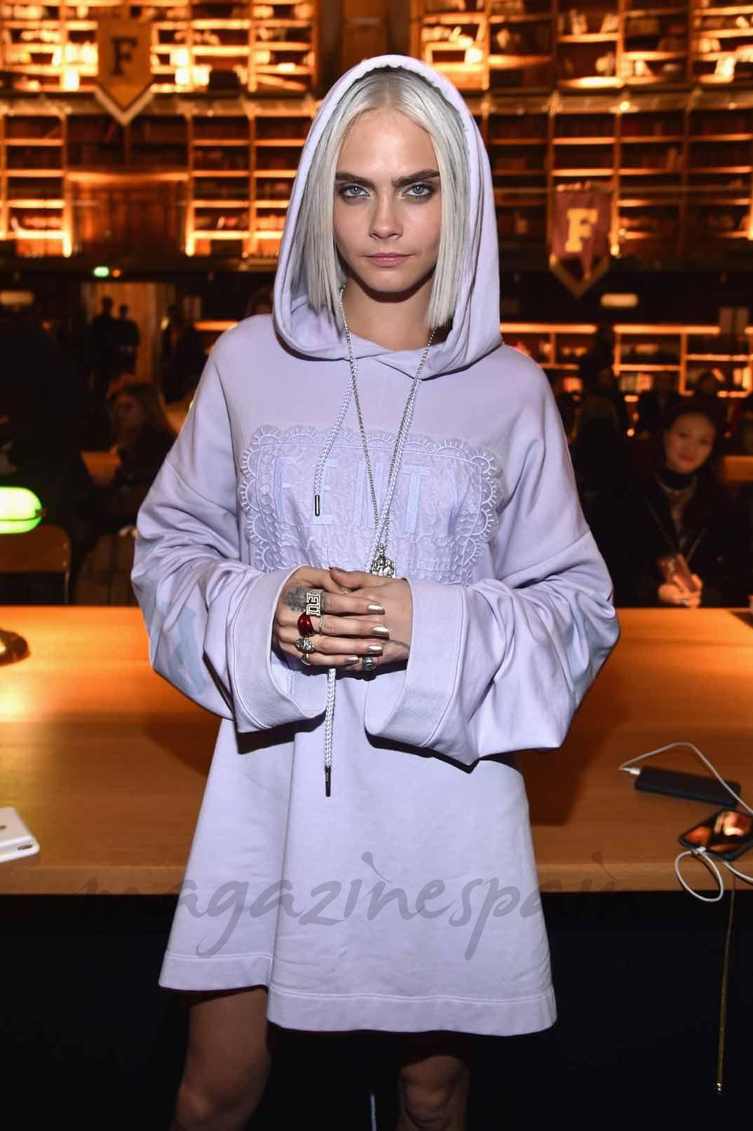 Cara Delevingne desfile Fenti x Puma by Rihanna