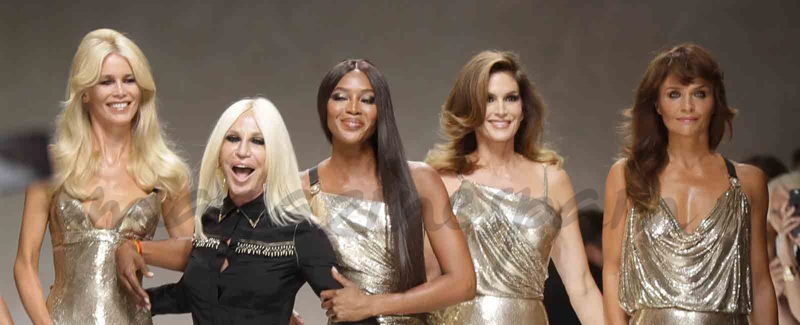 carla bruni claudia shiffer cindy crawford naomi campbell y helena christensen para versace