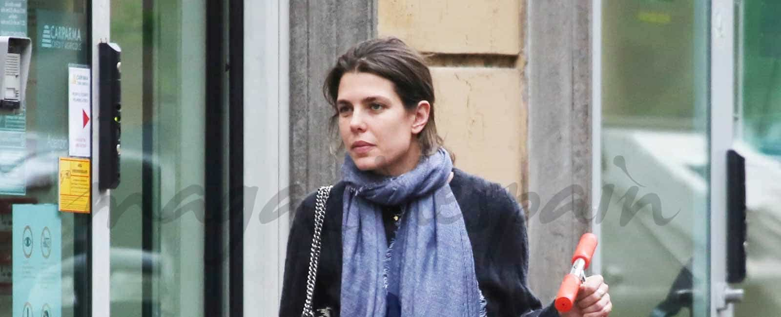 Carlota Casiraghi ejerce de madre