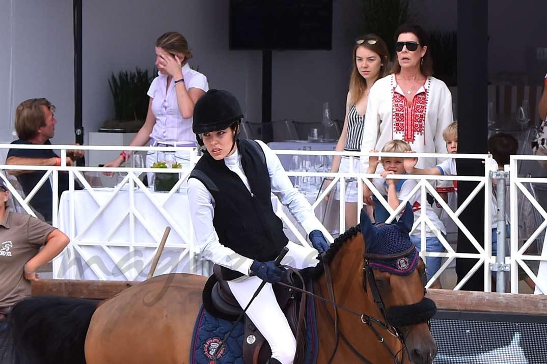 Carlota Casiraghi y Carolina de Monaco