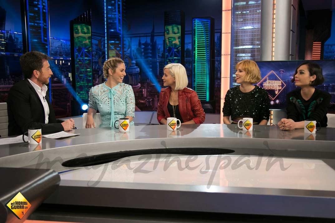 Pablo Motos con Blanca Suárez, Ana Fernández, Maggie Civantos y Nadia de Santiago © Atresmedia