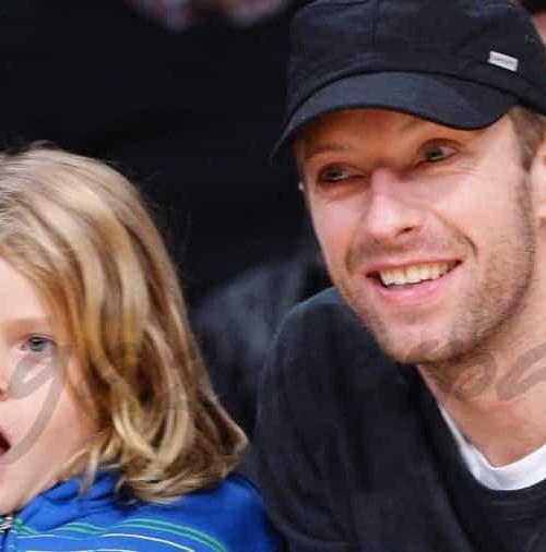 Chris Martin lleva a su hijo al basket
