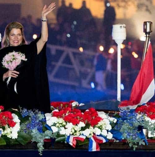 La reina Máxima, elegancia en negro de concierto