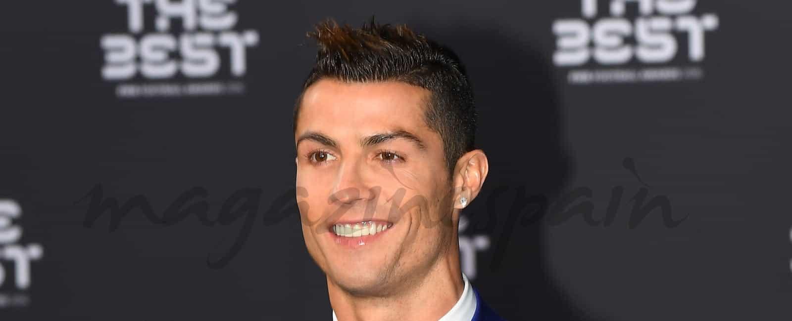 Cristiano Ronaldo, «The Best», posa por primera vez con su novia Georgina Rodríguez