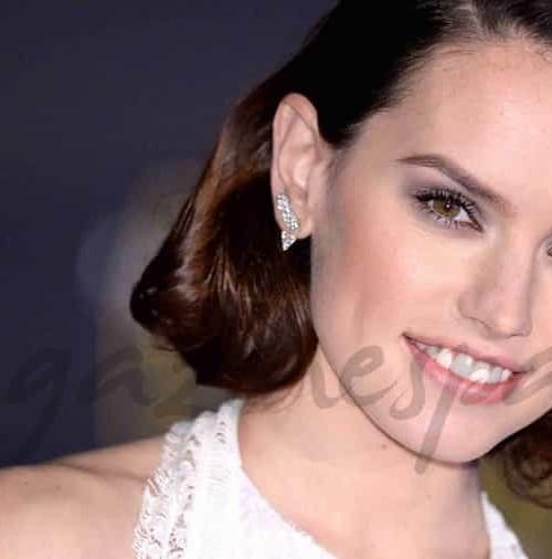 """El secreto del look de Daisy Ridley para el estreno mundial de """"Star Wars"""""""