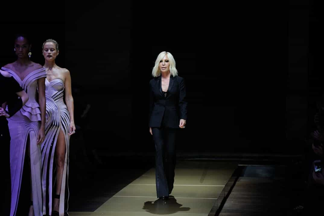 donatella versace en paris fashion week 2016