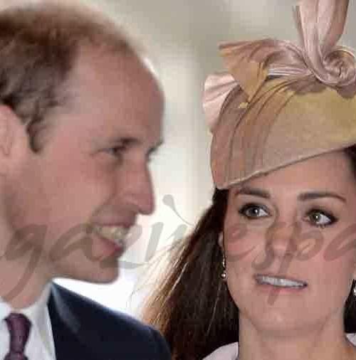 Kate Middleton bromea con su suegro