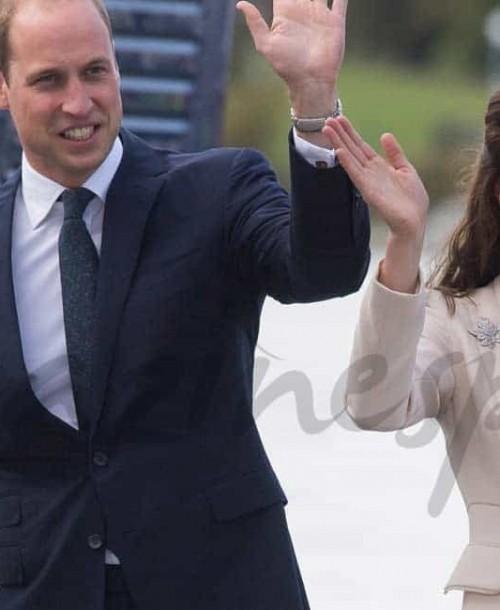 Los Duques de Cambridge y sus hijos se despiden de Canadá