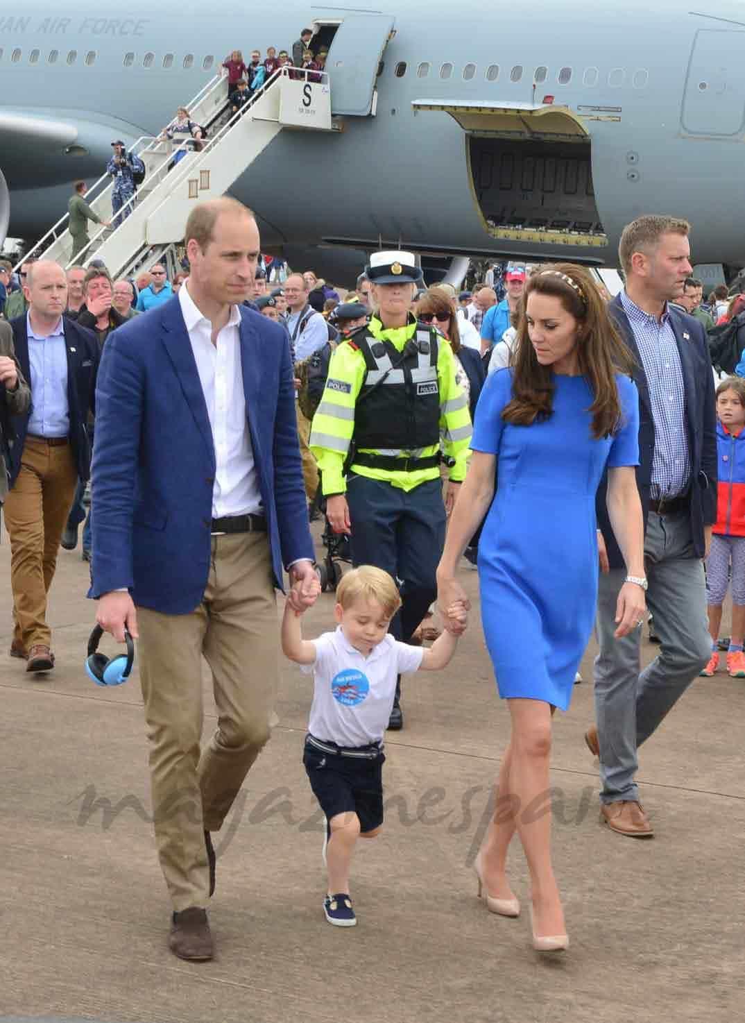 Duques de Cambridge y el príncipe George