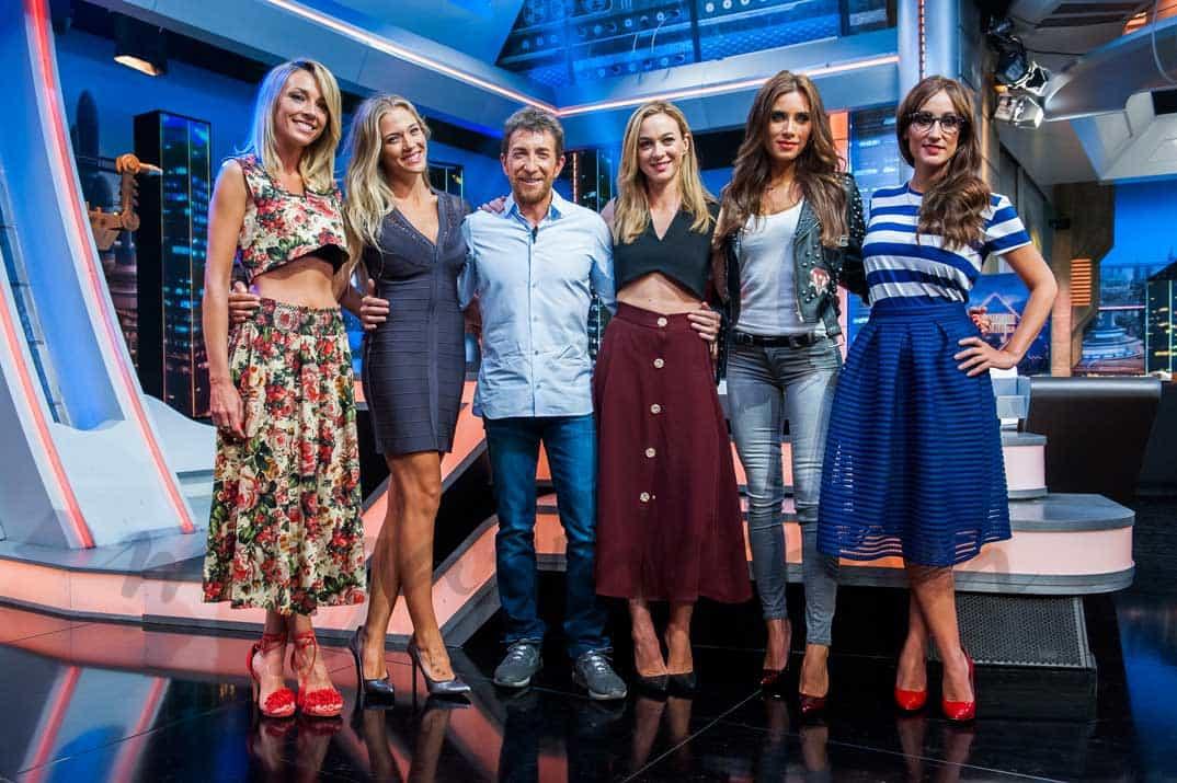 """Pablo Motos con Ana Simón, Patricia Montero, Marta Hazas, Pilar Rubio y Ana Morgade """"El Hormiguero 3.0"""" © Atresmedia"""