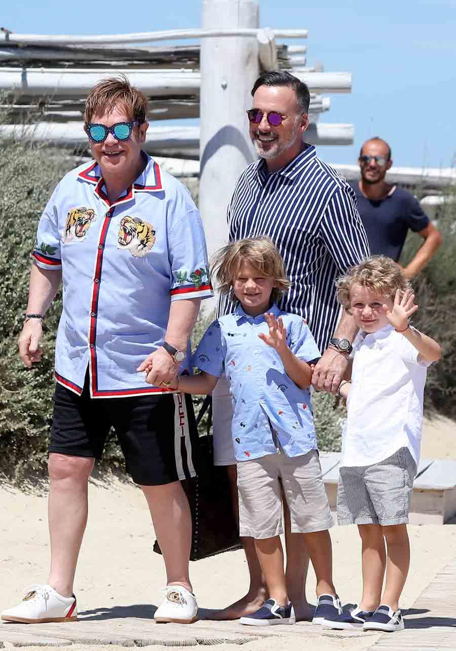 elton john y su familia vacaciones en saint tropez