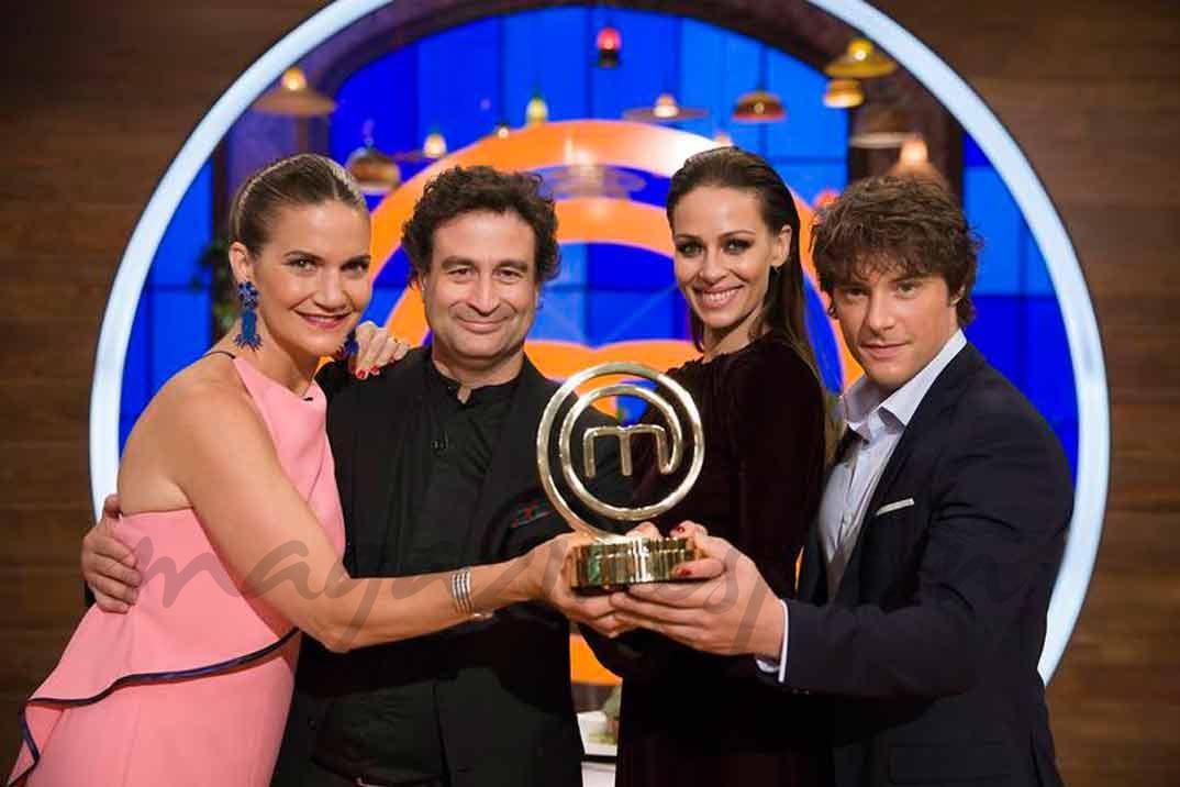 Samantha Vallejo-Nájera, Pepe Rodríguez, Eva González y Jordi Cruz - MasterChef Celebrity 2- © RTVE