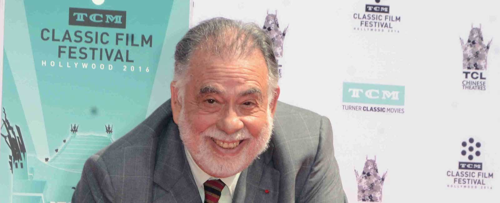 Francis Ford Coppola lega sus huellas al Teatro Chino de Hollywood