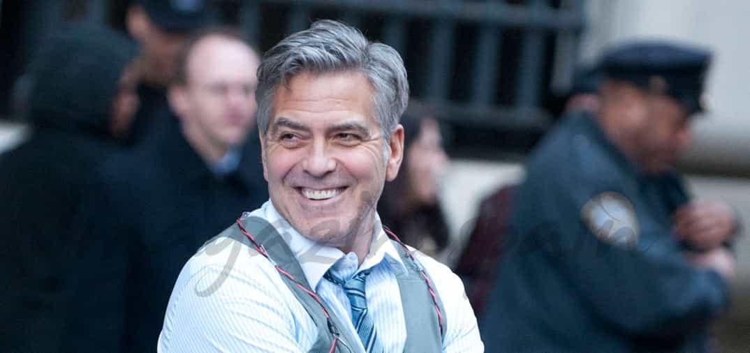 El actor George Clooney regresa al trabajo, entre explosivos