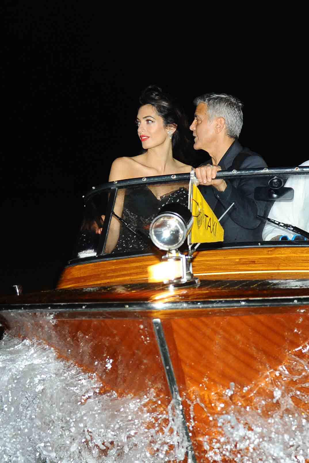 george y amal clooney romantica llegada al festival de venecia