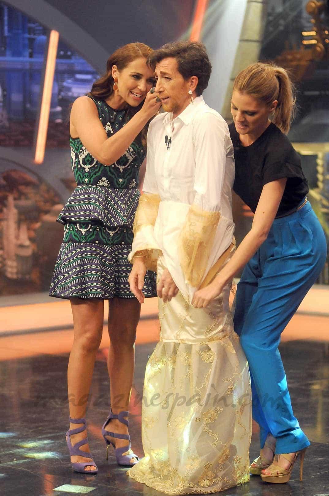 Amaia Salamanca y Paula Echevarria con Pablo Motos