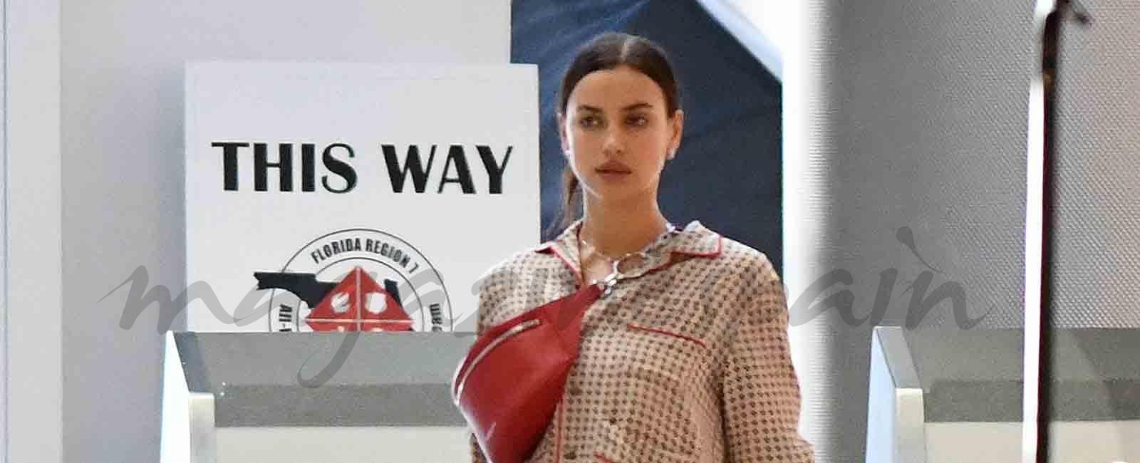 Irina Shayk en «pijama» y chanclas