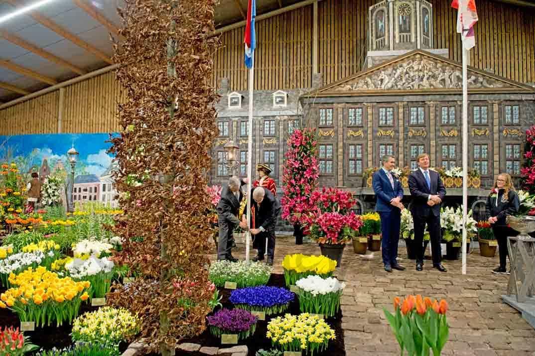 En holanda ya es primavera - Jardines de tulipanes en holanda ...
