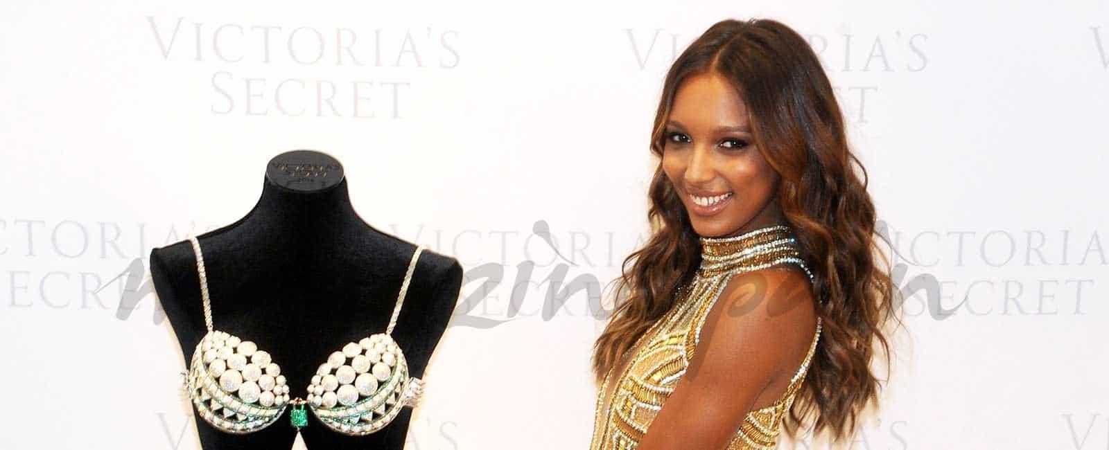 Jasmine Tookes presenta el sujetador joya de Victoria's Secret