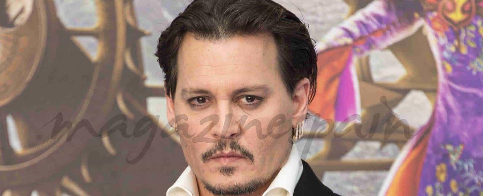 Johnny Depp de nuevo soltero