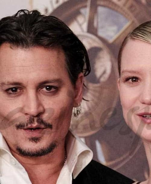 "Johnny Depp estrena ""Alicia a través del espejo"""