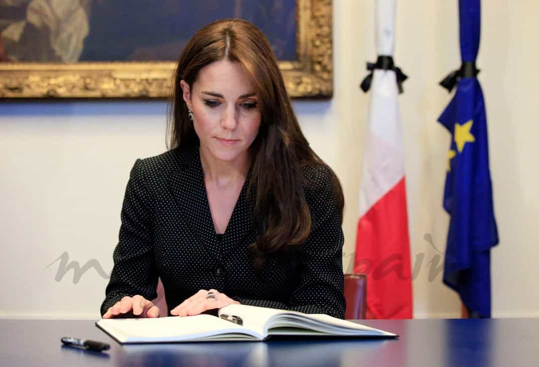 La Duquesa de Cambridge en la Embajada de Francia en Londres