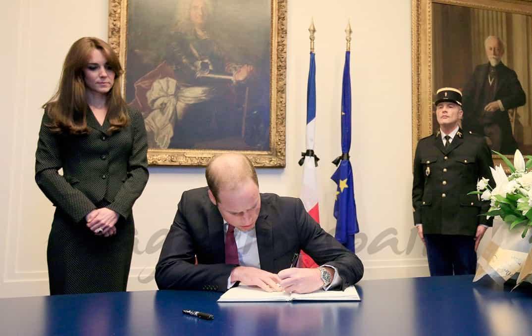 Los Duques de Cambridge en la Embajada de Francia en Londres