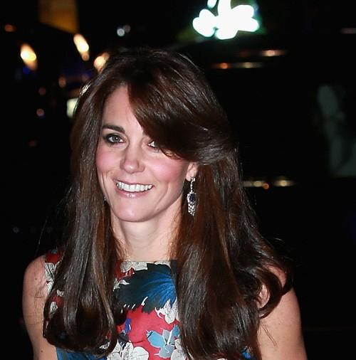 Kate Middleton llena de flores la noche londinense