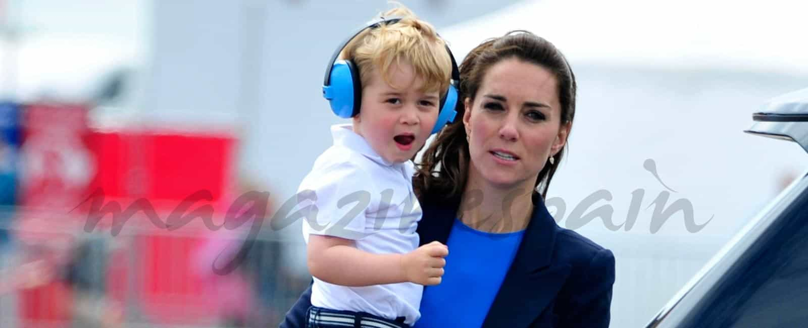 Los Duques de Cambridge, llevan a «pilotar» al pequeño George