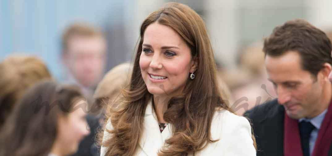 Kate Middleton feliz premamá