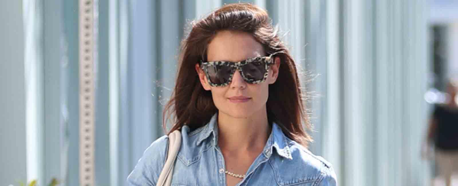 Katie Holmes apuesta por el denim, por Beverly Hills