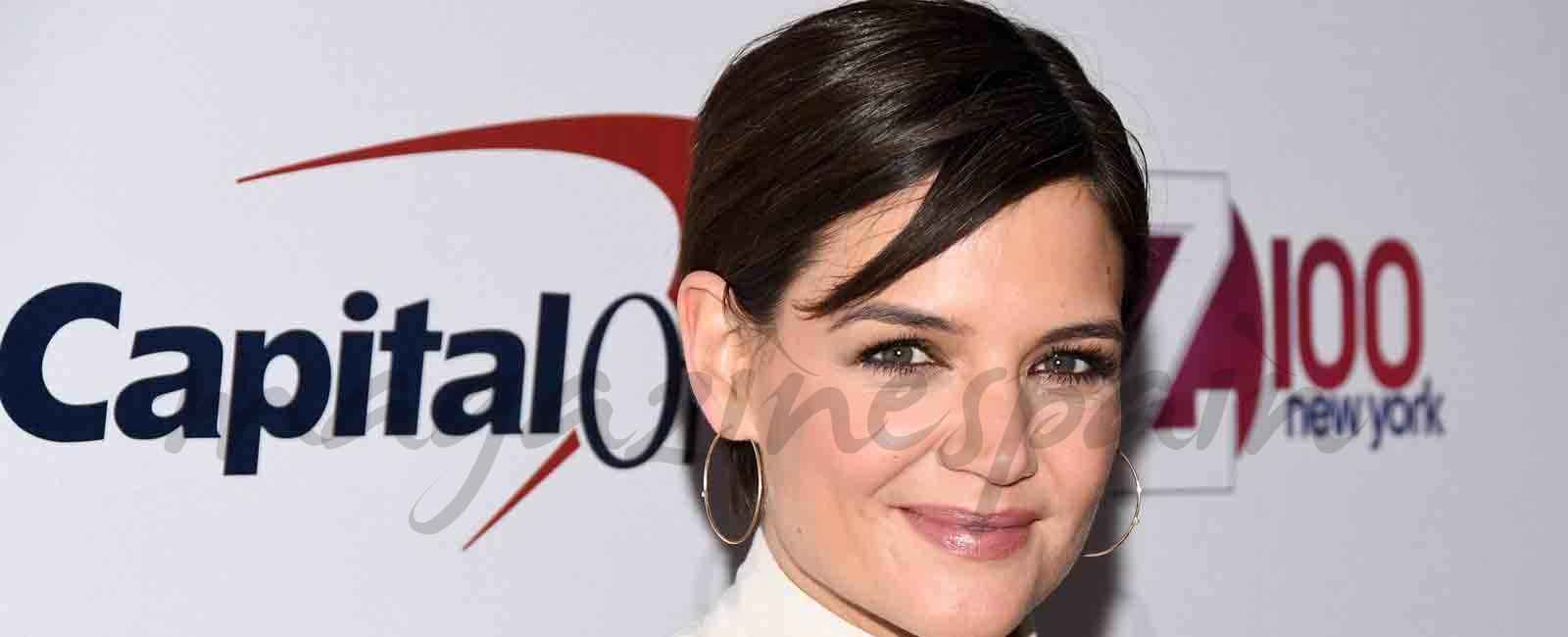 Katie Holmes estrena look