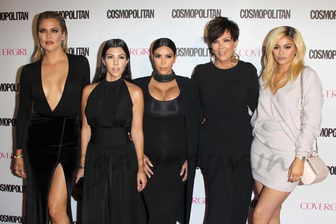 kim-kardashian-kourtney-kardashian-khloe-kardashian-kris-jenner y kylie jenner estrenan videoclip