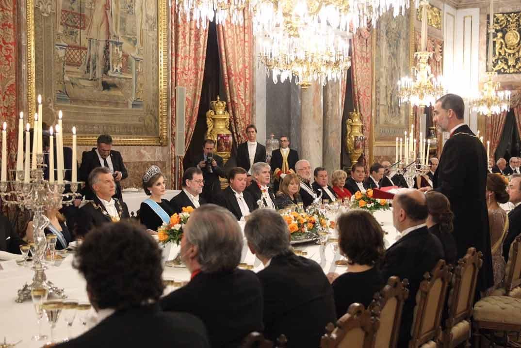Cena de gala en el Palacio Real en honor al Presidente Mauricio Macri y su esposa © Casa S.M. El Rey