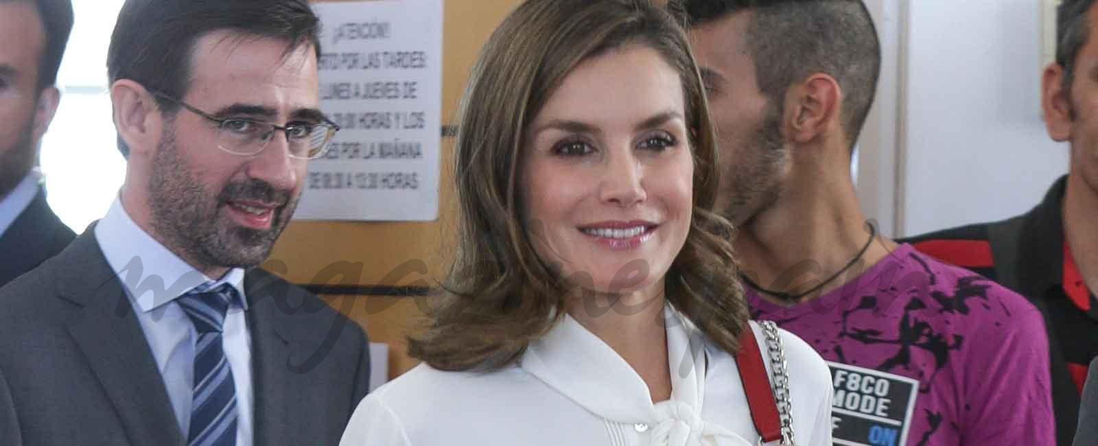 El perfecto look «working girl» de la reina Letizia