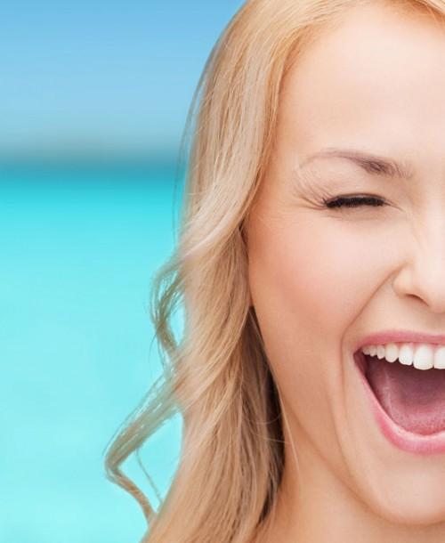 5 trucos para ir maquillada de forma impecable a la playa