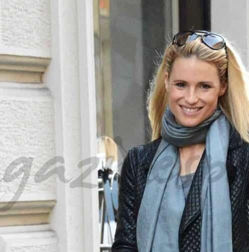 Michelle Hunziker, paseo en familia por las calles de Milán