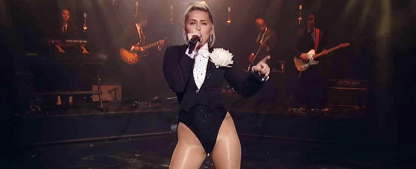 Miley Cyrus vuelve a los escenarios … Y vuelve a sorprender