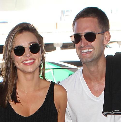 Miranda Kerr y el joven multimillonario Evan Spiegel consolidan su relación