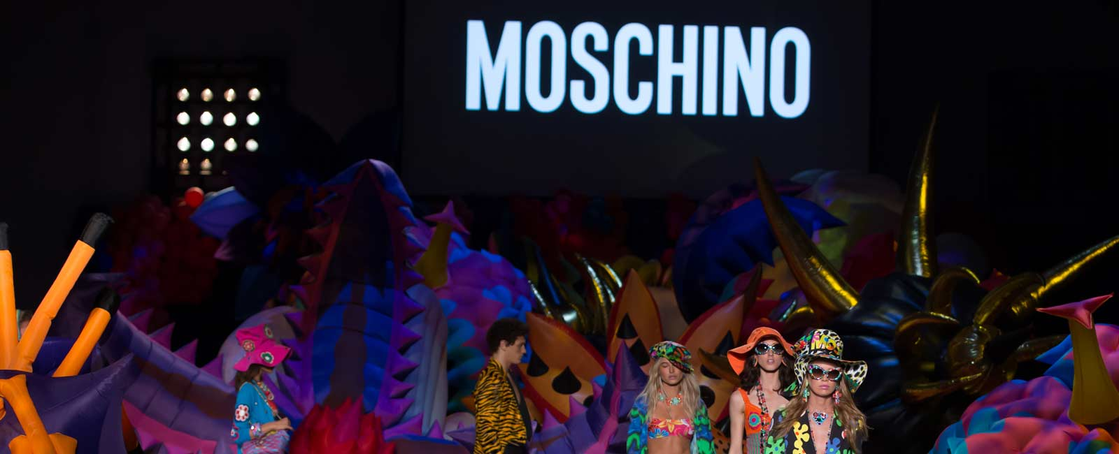El desfile Crucero 2017 de Moschino