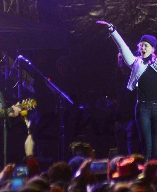 Nicole Kidman y Keith Urban juntos en el escenario durante Fin de Año