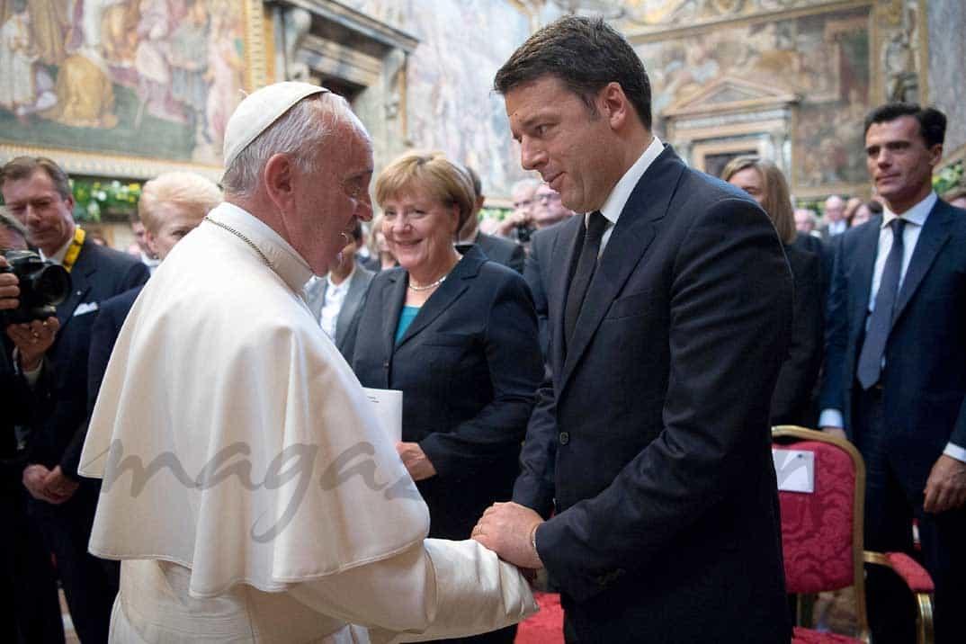 papa-francisco-mateo-renzi en el premio carlomagno