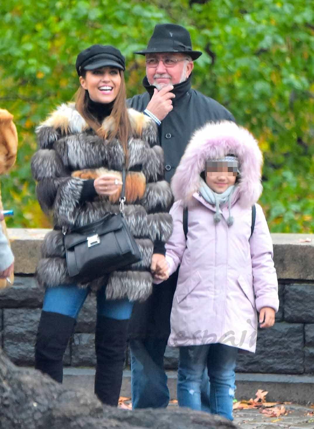 paula echevarria con su hija y su padre vacaciones en new york