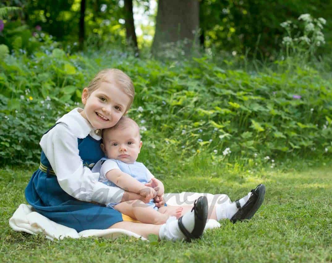 Princesa Estelle y príncipe Oscar de Suecia
