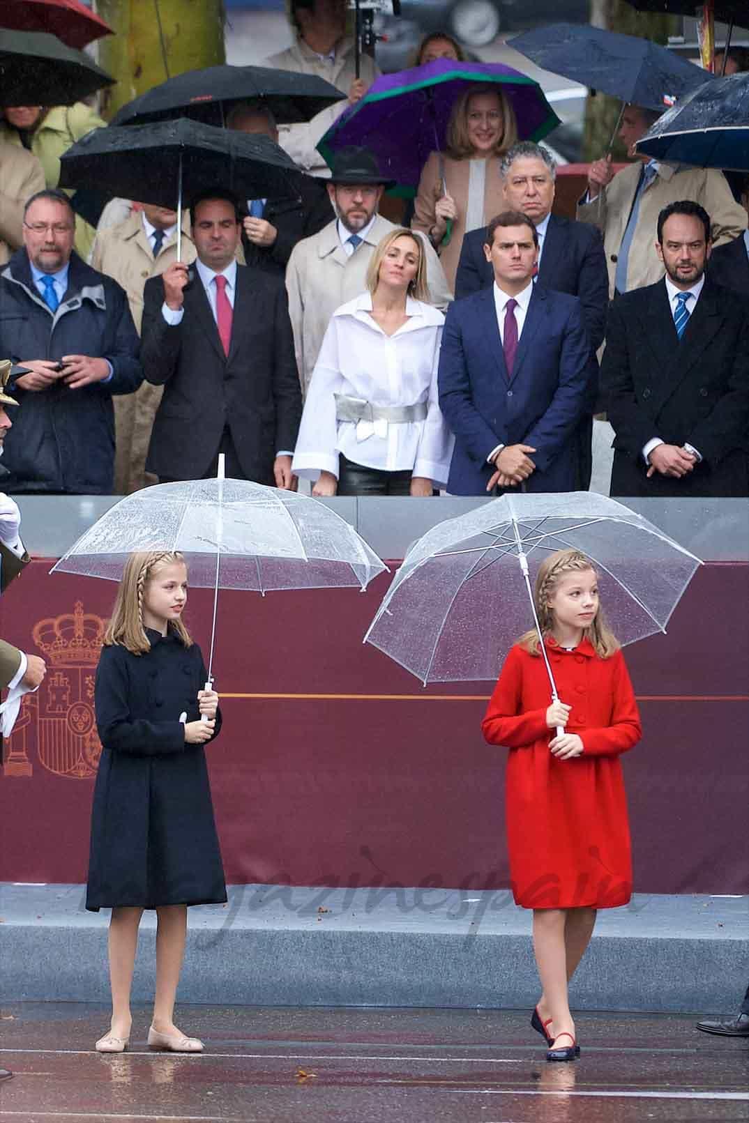 princesa-sofia-infanta-leonor en la fiesta nacional