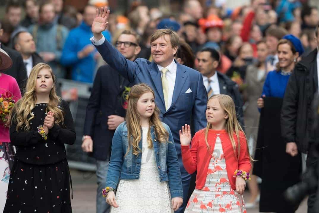 princesas-catherine-alexia-ariana-y-rey-guillermo-de-holanda