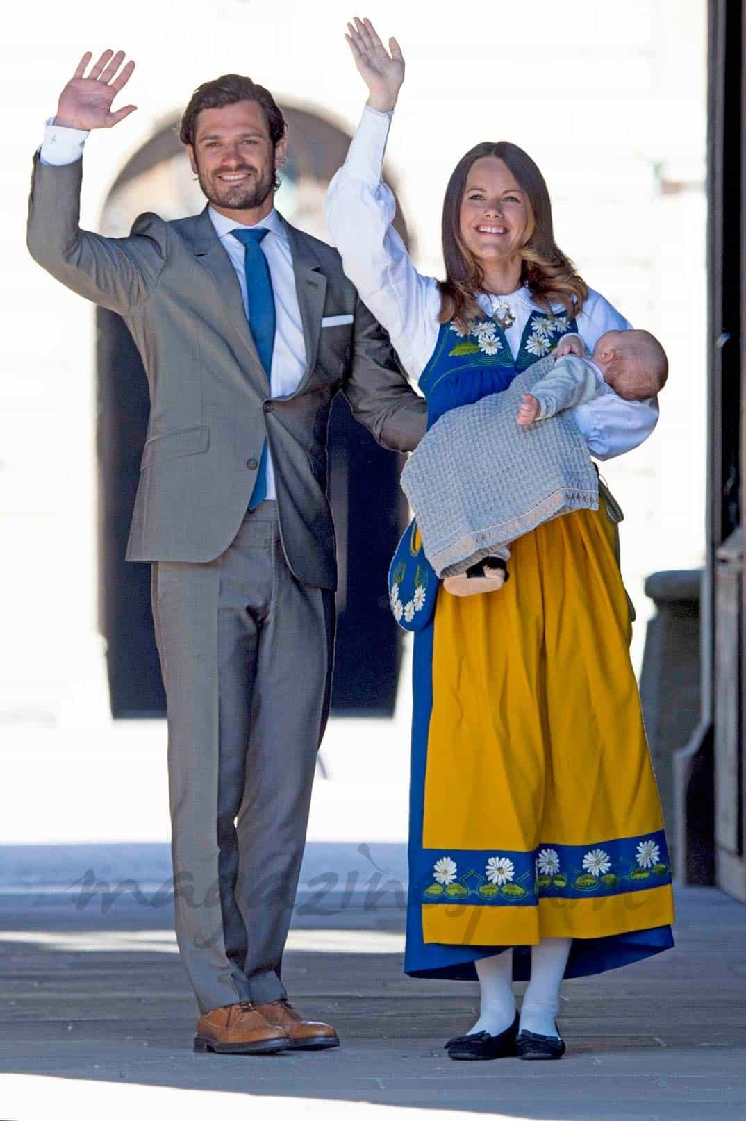 Príncipe Carlos Felipe, princesa Sofía y príncipe Alexander de Suecia